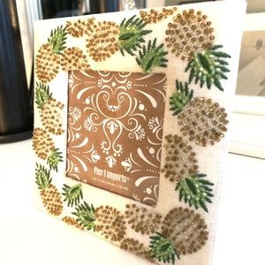 """Pier 1 Pineapple linen 4x4"""" picture frame"""